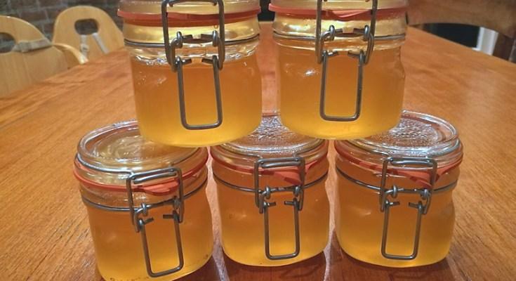 Armeluis honing van Moerasspirea.
