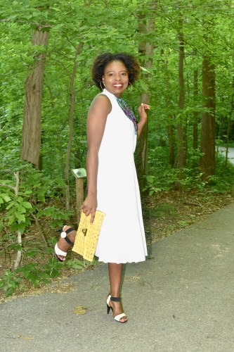 It's the white dress season + links to awesome deals ! graphic