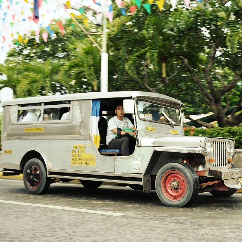 Karatig Jeep