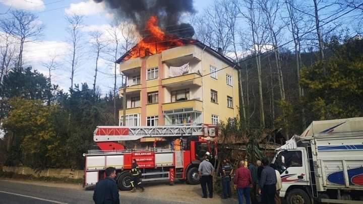 Bulancak'ta çatıda çıkan yangın korkuttu