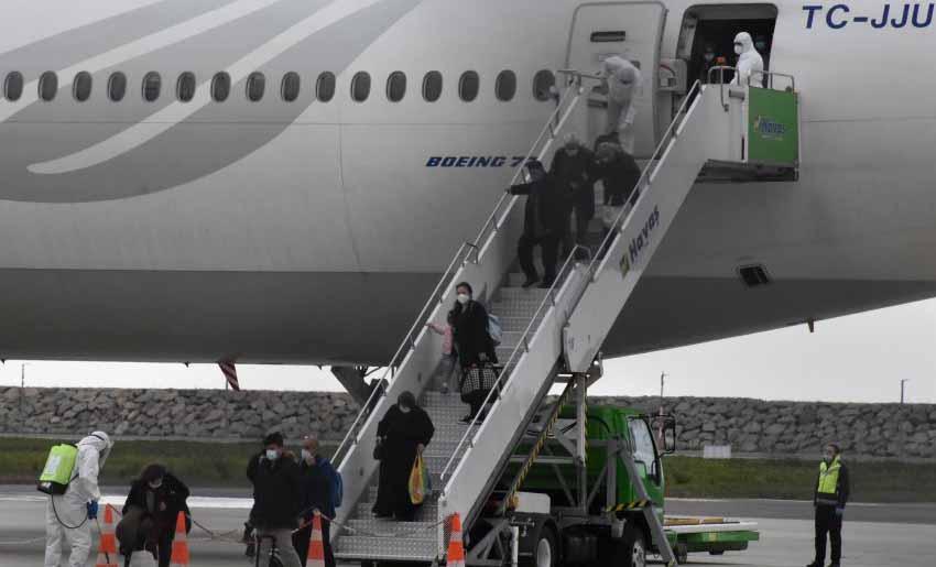 Hollanda'dan 312 Türk vatandaşı Giresun'a getirildi