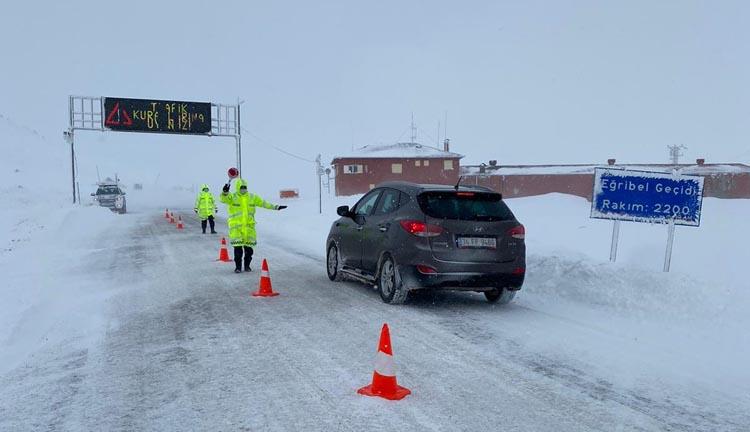Jandarma Trafik Timleri Kış Lastiği Denetiminde!