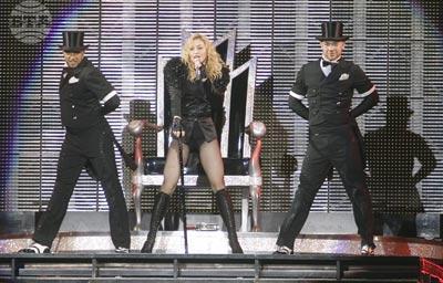 София, 30 август 2009. Поп иконата Мадона пя за първи път пред българските си почитатели на препълнения с публика Национален стадион