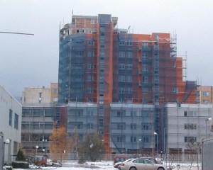 По време на строителството на жилищно-административна сграда в гр. София,където строителството е най-силно развито.