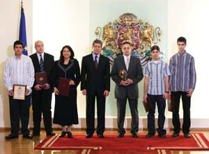 На церемония в Гербовата зала президентът Георги Първанов връчи наградата