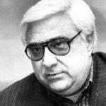 Андрей Луканов е роден през 1938 в Москва в семейството на известния български комунист Карло Луканов. Луканов започва да играе важна роля в т.нар преустройство, което той превръща в щурм за отстраняването на Тодор Живков от ръководството на БКП, след което заема ръководни постове в партията. На 7 юли 1992 г. по искане на гл.прокурор Иван Татарчев му е отнет депутатският имунитет. На 9 юли 1992 г. е арестуван. Освободен е на 30 дек 1992 г. След което г-н Луканов подава жалба до Европейския съд по правата на човека в Страсбург. През март 1997 независимият европейски съдебен орган приема, че задържането е било незаконно и България е осъдена да плати 40 000 френски франка. На 2 окт 1996 (рожденият ден на жена му) той е застрелян с 4 куршума от пистолет Макаров пред дома си в София. До този момент убийството остава неразкрито. Луканов е сочен, като една от ключовите фигури, участвали в създаването на организираната престъпност в пост-комунистическа България. Женен за Лилия Герасимова, имат дъщеря Ана и син Карло. Герасимова каза пред журналиста Карбовски на 6 октомври 2009г., че