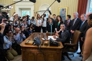 Обама направи свое официално изявление от Белия дом, в което съобщи, че САЩ преразглежда отношенията си с Русия с оглед на така нареченото от него мислене от времето на Студената война на руския президент Владимир Путин. ФОТО: Белия дом, официален уебсайт