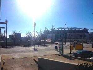 7 януари 2014 г. Paul Brown Stadium в Cincinnati, Ohio с капацитет от 65,535 души. Големите стадиони в САЩ служат освен за спортни съзтезания, така и за приютяване при природни бедствия. Стадионът е ивестен още с името