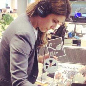 Българската журналистка Моника Евстатиева е оцеляла след смъртна атака в Афганистан.