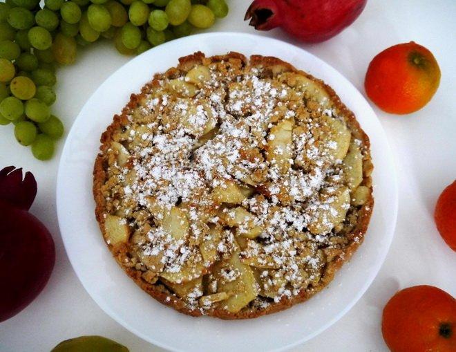 Сладкиш с ябълки и маслено тесто
