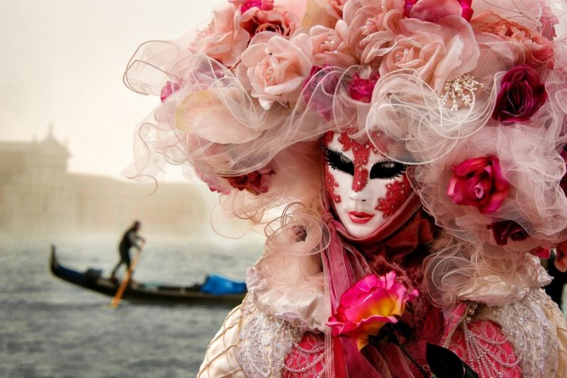 Карнавалът във Венеция – феерия на въображението и изкуството