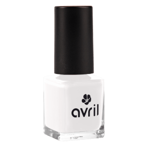 vernis-a-ongles-french-blanc-french-manucure