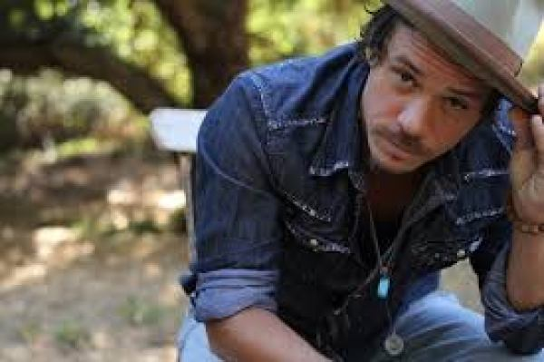 Michael Raymond-James Stands Strong — Bullies Keep Out!
