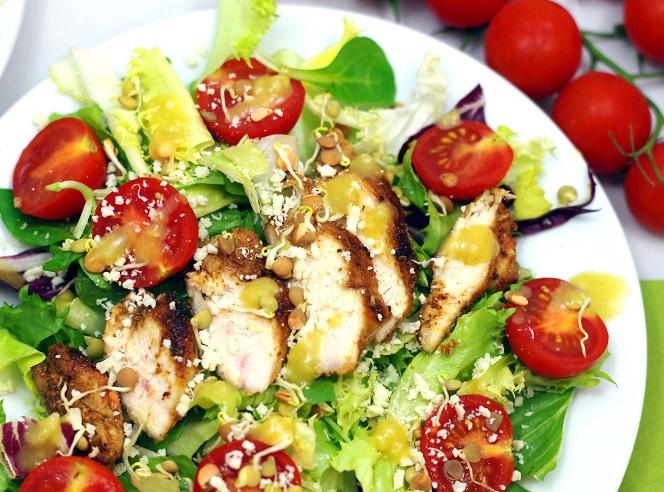 salatka-z-grillowanym-kurczakiem-2