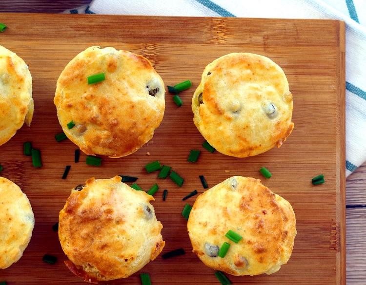 Muffiny z groszkiem i fetą 2