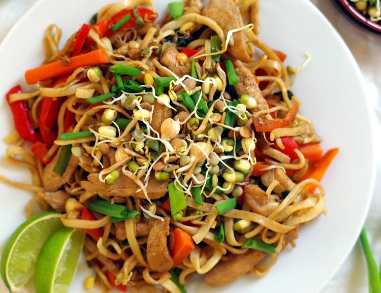 Makaron chow mein z kurczakiem 2