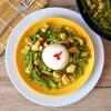 Zielone curry z kurczakiem i fasolką