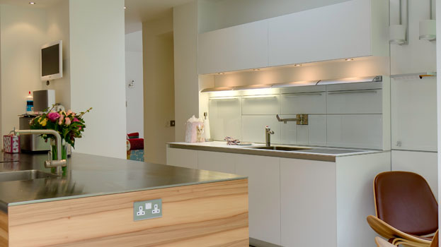 Bright and airy contemporary kitchen design in