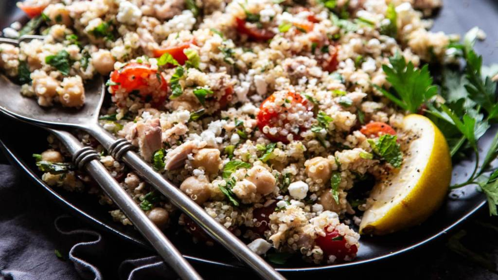 Mediterranean Tuna & Quinoa Salad