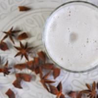 Iced Chai Latte mit selbstgemachtem Chai Sirup