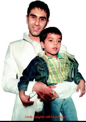 Sandip-Soparrkar-with-his-son-Arjun