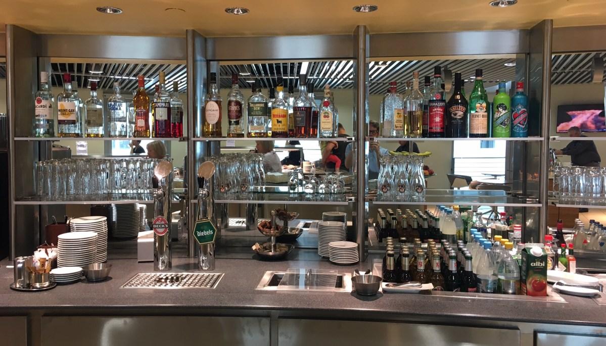 Bewertung: Lufthansa Senator Lounge Düsseldorf