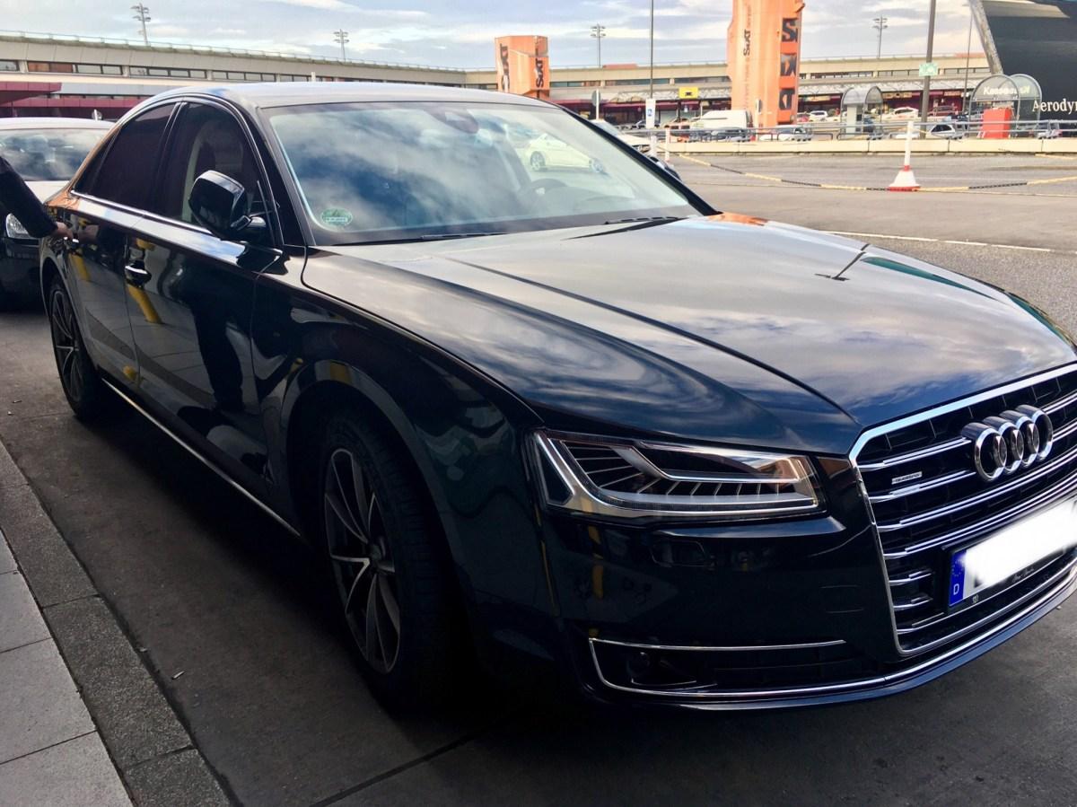 Nur noch heute: Kostenfreier Status Emerald Club Executive Elite blacklane chauffeur service limousine berlin