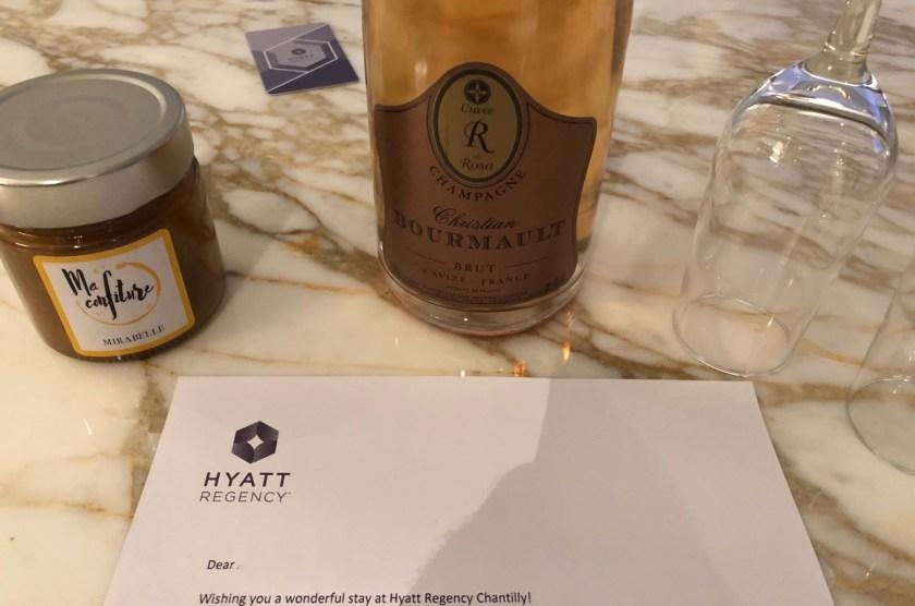 hyatt regency chantilly paris france frankreich world of hyatt begrüßung geschenk marmelade champagner bourmault
