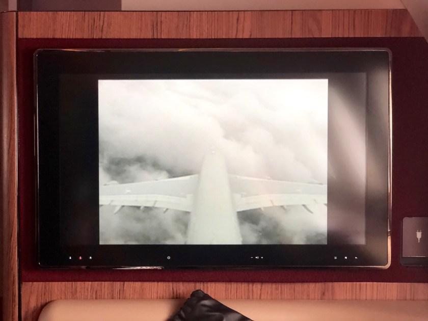 qatar airways first class airbus a380 doh doha fra frankfurt qr67 onboard bar