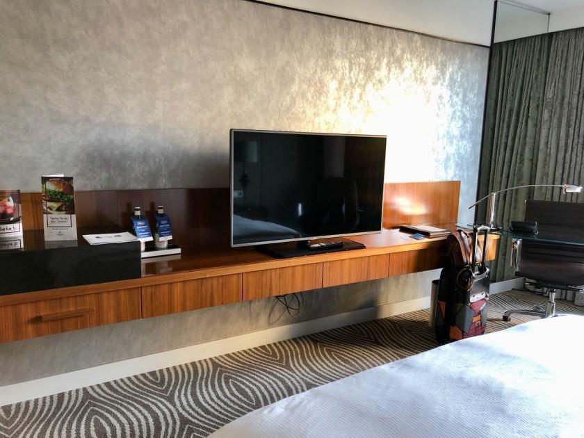 Hilton Berlin Gendarmenmarkt executive lounge club lounge deutscher dom hilton Honors zimmer aussicht