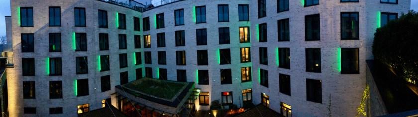 holiday inn osnabrück ihg rewards club hotel innenhof