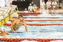Gebannter Blick auf die Anzeigetafel: Weltrekord für Danny Wieck über 50 Meter Retten einer Puppe.