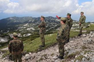 Oberstleutnant Dennis Jahn bei der Gipfeleinweisung am Berchtesgadener Hoch-thron.