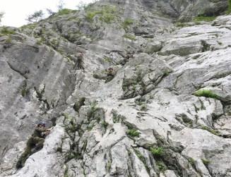 Im Endstal übt sich der Nachwuchs im Seilgeländer und beim Klettern.