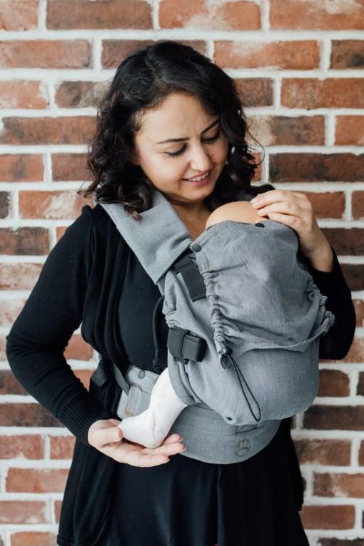 Woman carrying in a Neko Switch Bold
