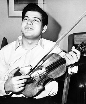 2020 - Itzhak-Perlman-young-1965