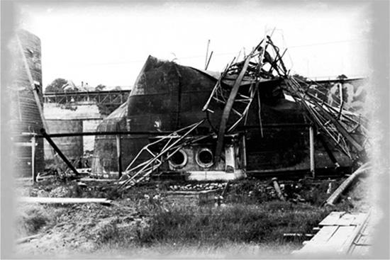 1941 Bombardament sovietic Constanța - Rezervoarele de petrol din port