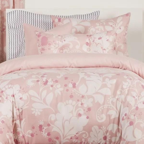 Feminine Bedding in Pink