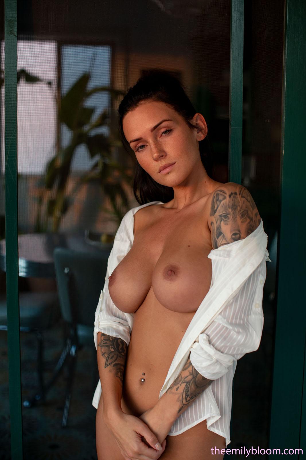 Kayla Until Dusk Emily Bloom nude pics  Bunnylustcom