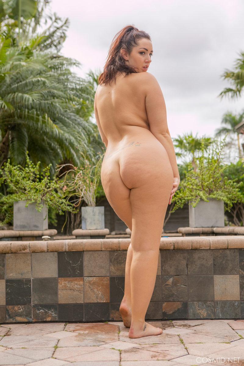 Naked curvy girl Curvy Erotic