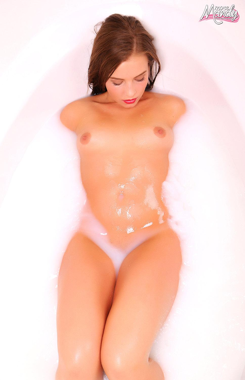 More Mandy Cream Bath