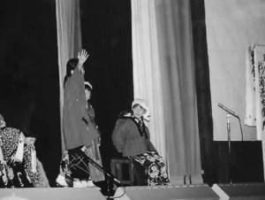 「杉浦源右衛門と日本デンマーク」の劇を熱演