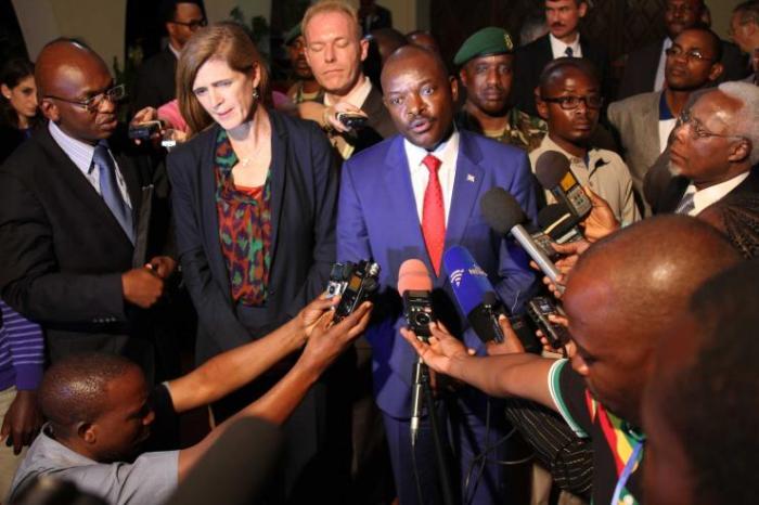 Nkurunziza riceve la delegazione Onu. In primo piano la delegata Usa Samantha Power