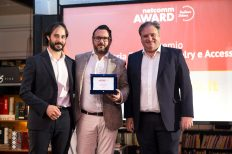Apposta vince il Netcomm Award per la categoria Fashion, Jewellery e Accessori