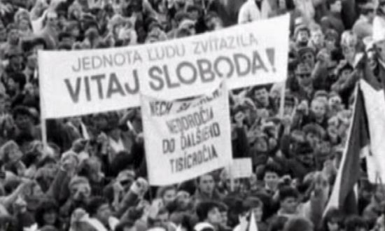 1989_rivoluzione-velluto-bratislava_(videoYoutube)
