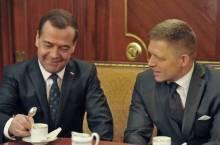 Fico-Medvedev_(foto vlada.gov.sk)