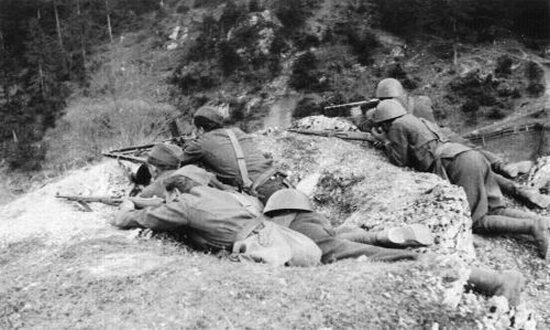 SNP-soldati-a-Liptovska-Osada_(foto_muzeumsnp.sk)
