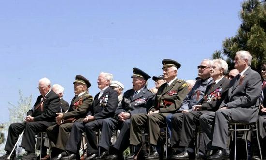Slavin, veterani alla cerimonia dell'8 maggio