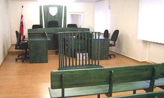 Un'aula di una corte slovacca - tribunali
