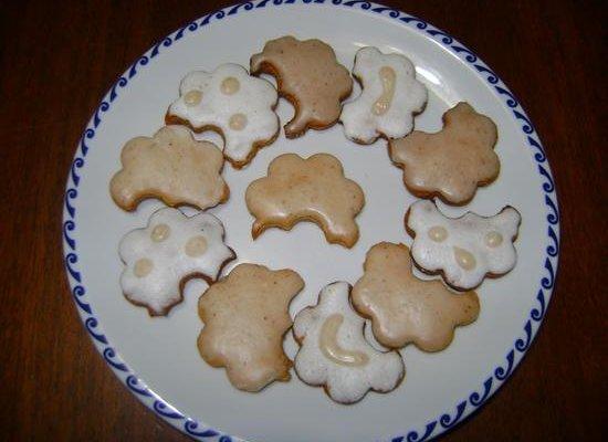 biscotti-natalizi-con-mandorle_(MichaelaSebokova)
